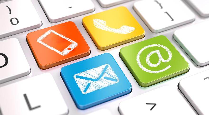 Ausschnitt einer Tastatur mit farbig hervorgehobenen Tasten